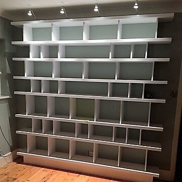 Mr Redgrave: Bespoke living-room shelving